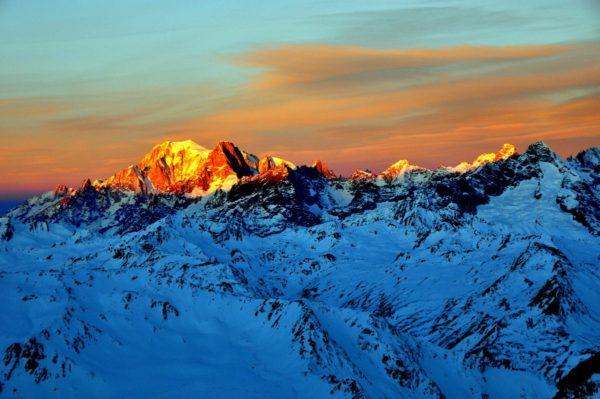 Traumhafter Sonnenaufgang über dem Mont Blanc